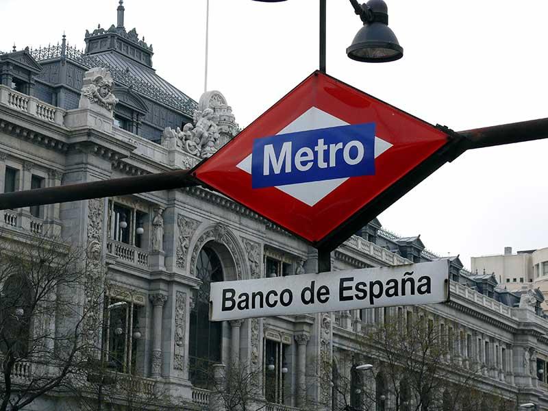 Foto del Banco de España. Un banco es un ejemplo de creación de valor mediante préstamo.
