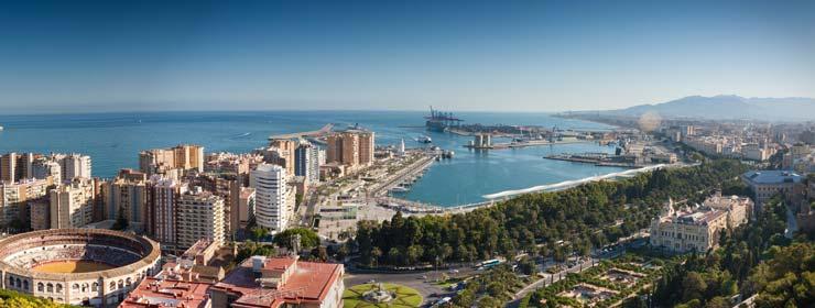 Foto panorámica de Málaga, un buen lugar para estudiar un máster MBA.