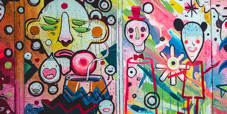 Grafiti en el barrio gótico, un lugar estupendo para los estudiantes de un MBA en Barcelona.