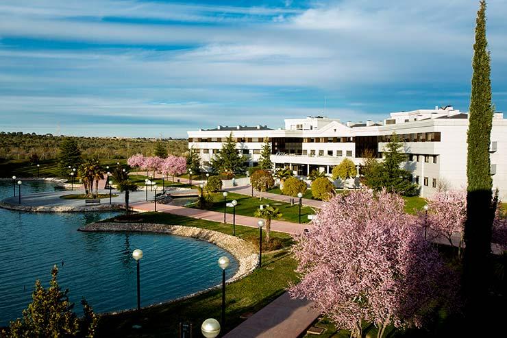 Vista panorámica del campus de Villaviciosa de Odón de la Universidad Europea de Madrid, campus en el que no se imparte los máster MBA
